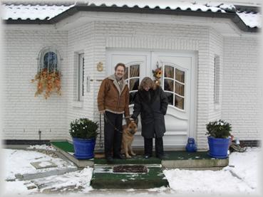 "Familie Schmeichel mit ""Olga von Gloria dei"" alias ""Olli"""